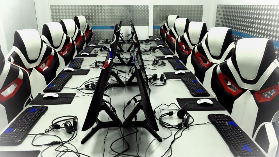 Дешевые компьютерные клубы москва ночные клубы ростова на дону режим работы